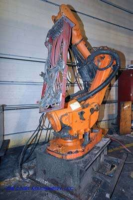 Picture of ABB IRB 6600 Six Axis Foundry Rated Industrial Robot with Extractor Package/Gripper for Extracting Die Castings For_Sale DCMP-2412