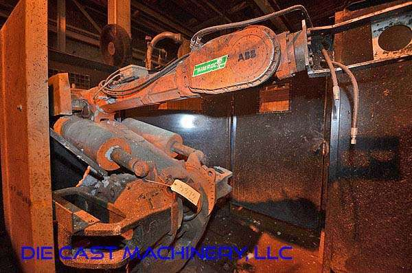 Picture of ABB IRB 6400 Six Axis Foundry Rated Industrial Robot with Extractor Package/Gripper for Extracting Die Castings For_Sale DCMP-3375