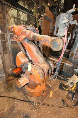 Picture of ABB IRB 4400 Six Axis Foundry Rated Industrial Robot with Extractor Package/Gripper for Extracting Die Castings For_Sale DCMP-3861