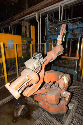 Picture of ABB IRB 4400/60 Six Axis Foundry Rated Industrial Robot with Extractor/Gripper & Die Spray Lubrication Package For_Sale DCMP-4208