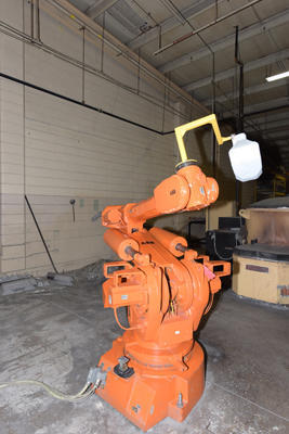 Picture of ABB IRB 6400/2.5 200 Six Axis Foundry Rated Industrial Robot For_Sale DCMP-4225