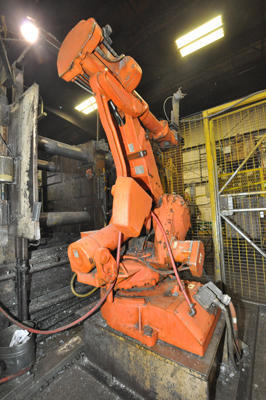 Picture of ABB IRB 4400/60 Six Axis Foundry Rated Industrial Robot with Extractor Package/Gripper for Extracting Die Castings For_Sale DCMP-4282
