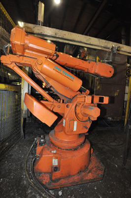 Picture of ABB IRG 6400 Six Axis Foundry Rated Industrial Robot with Extractor Package/Gripper for Extracting Die Castings For_Sale DCMP-4292