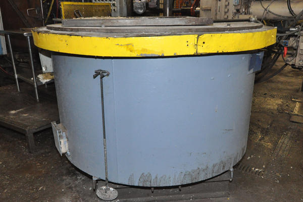 Picture of Dynarad EC-1500 Electric Heated Silicon Carbide Crucible Type Aluminum Melting & Holding Furnace For Sale DCMP-4297