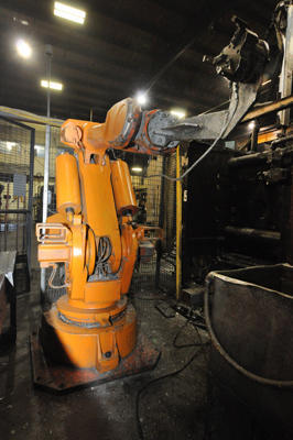Picture of ABB IRB 6400 Six Axis Foundry Rated Industrial Robot For_Sale DCMP-4299