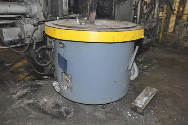 Picture of Dynarad EC-1500 Electric Heated Silicon Carbide Crucible Type Aluminum Melting & Holding Furnace For Sale DCMP-4304