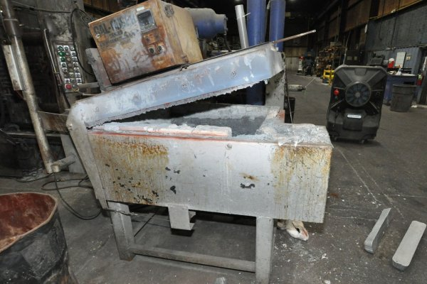 Picture of Cal-Miser SO 1600 Low Energy High Efficiency Natural Gas Heated Aluminum Holding Furnace For Sale DCMP-5134