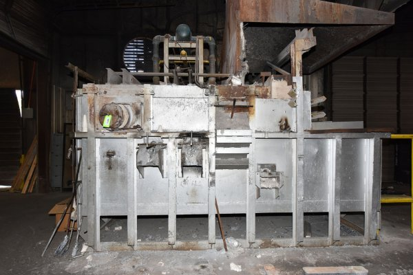 Picture of FW Schaefer FWS-2000-AMF-NG Reverberatory Type Wet Bath Stationary Aluminum Melting and Holding Furnace For Sale DCMP-5162